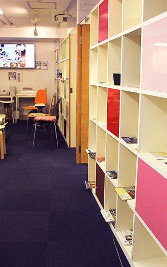 東京に5教室。フランス語会話学校エコールサンパ銀座教室