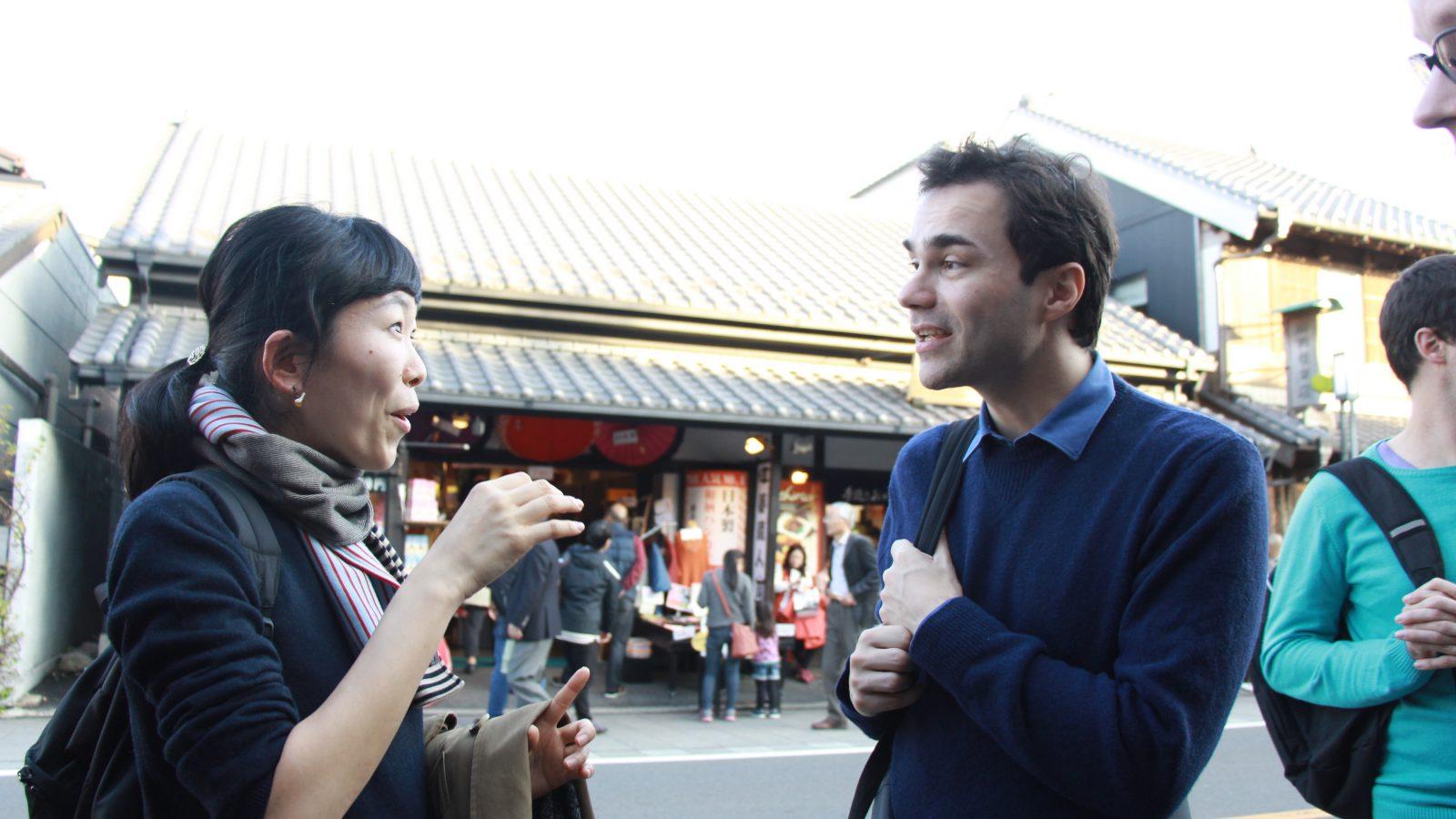 フランス語を話す旅行者
